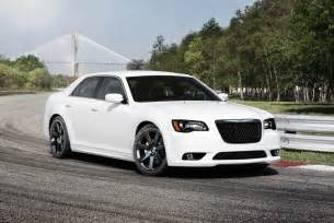 300 Chrysler Srt8 2012 Chrysler 300 Srt8 Boasts 465 Horsepower With New Hemi