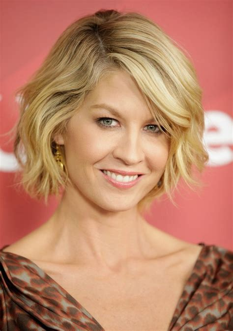 hairstyle images 2014 jenna elfman s hairstyle cute short wavy bob hairstyle
