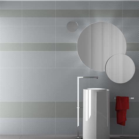 rivestimento bagno grigio piastrelle da rivestimento bagno 60x120 e 15x120 grigio