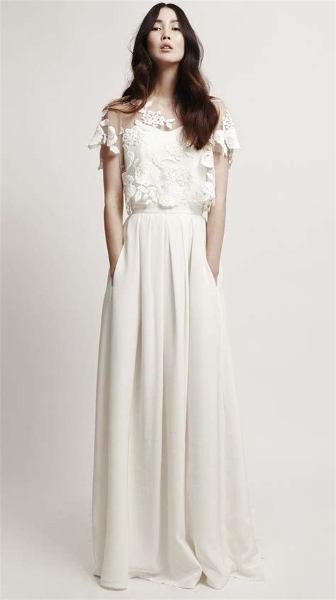 how to dress minimalist 25 best ideas about minimalist wedding dresses on