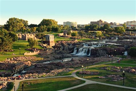 Of Sioux Falls Mba Cost by Why Visit Sioux Falls South Dakota
