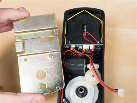 Bluetooth Front Door Lock by Diy Bluetooth Door Lock Hacked Gadgets Diy Tech