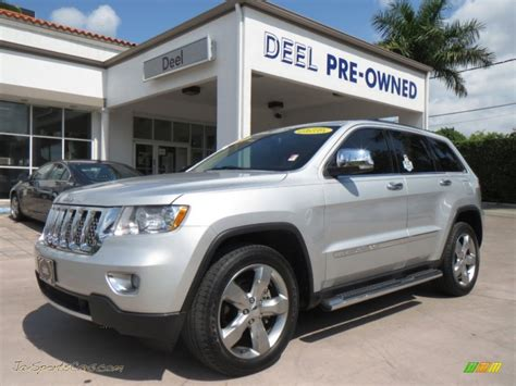 jeep cherokee silver 2011 jeep grand cherokee overland in bright silver
