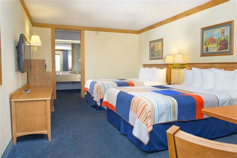 Pet Friendly Cabins Branson Mo by Grand Country Inn And Indoor Waterpark Pet Policy
