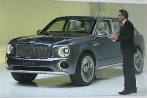 Bentley 4 X 4 Bentley 4x4 Revealed Pictures Auto Express