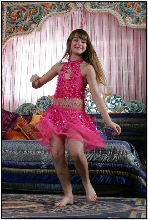 lane model lane model tv pinkskirt 029 modelblog
