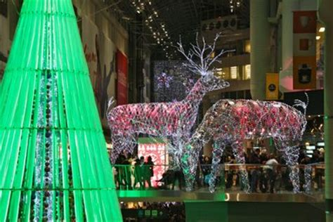 christmas lights at the eaton centre toronto christmas