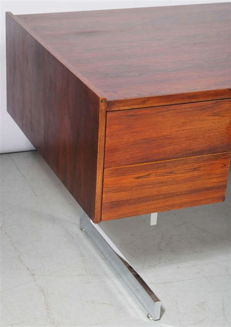 milo baughman rosewood desk milo baughman executive rosewood desk at 1stdibs