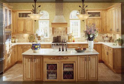 u shaped kitchen kraftmaid cabinetry
