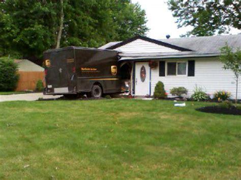 UPS truck crashes into Ohio home   WCPO Cincinnati, OH