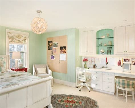 built in desk bedroom love this room love the colors and built in desk storage the lucky girl would also have the
