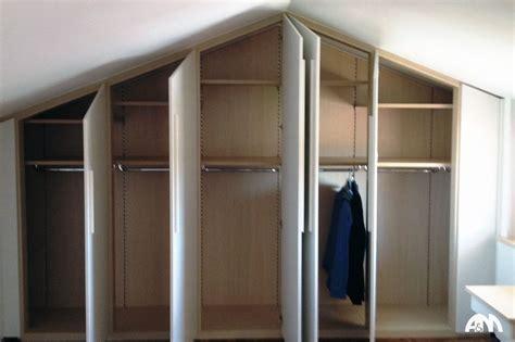 armadio su misura mansarda un armadio a muro su misura realizzato per una mansarda a