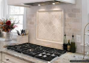 kitchen backsplash travertine tile best 25 travertine backsplash ideas on beige