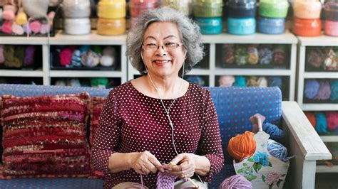 benefits of knitting 5 powerful health benefits of knitting in your 60s