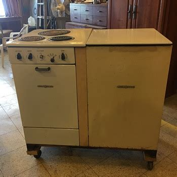 Small Kitchen Stoves by Ge Stove Top Opening Refrigerator Collectors Weekly