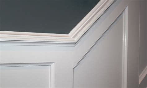 Chair Rail Wainscoting by How To Install Wainscoting Pro Construction Guide
