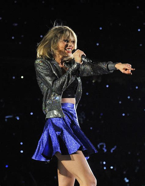 taylor swift tour guidelines taylor swift tour detroit 1989 taylor swift performs at