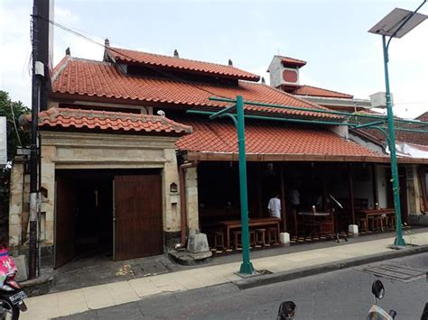 mades warung restaurant kuta beach bali reviews