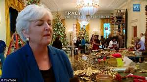 who pays for white house christmas a white house 12 the photos of volunteers decorating the