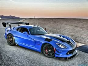 Dodge Vioer 2016 Dodge Viper Acr Review Snakes On A Track Slashgear