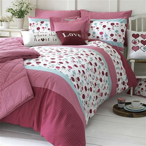 Floral Print Duvet Cover Red Is The Colour Of The Moment From Stylish Duvet Covers