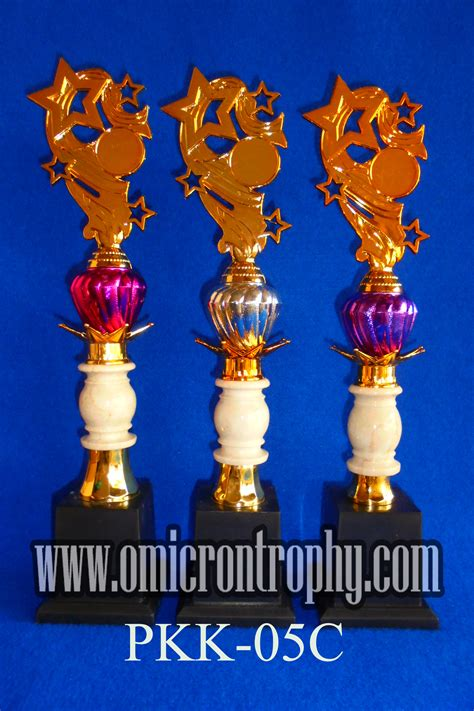 Piala Set Juara 123 Trophy Mtq Tatakan Kotak Plakat Figur Gold Murah 24 harga trophy 1 set omicron trophy