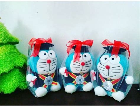 Boneka Doraemon Wisuda doraemon boneka wisuda stipram kado wisudaku