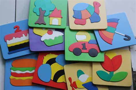 Mainan Kayu Edukatif Puzzle Cat 17 X 17 Cm Kura2 puzzle cat 17x17 cm mobil balap mainan kayu