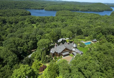 bedford new york bruce willis buys storybook new york estate for 9 million