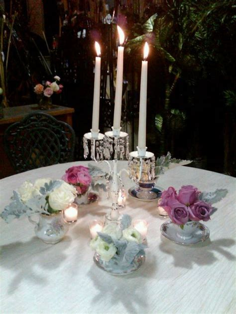 post pictures of your oval table centerpieces