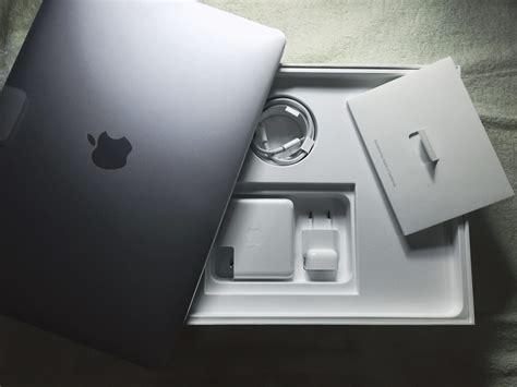 Macbook Pro Untuk Desain review macbook pro retina display 2017 dengan touch bar aditya daniel