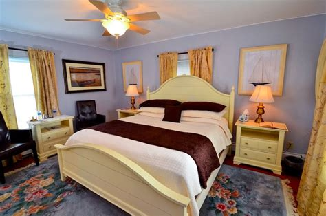 chincoteague bed and breakfast sandpiper island manor house bed and breakfast