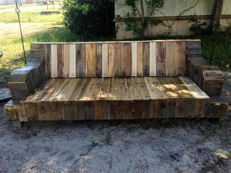 Reclaimed Dining Room Tables refurbished old couch base into pallet sofa 101 pallet ideas