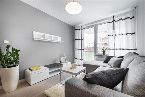 how to utilise a small bedroom how to use color in small rooms