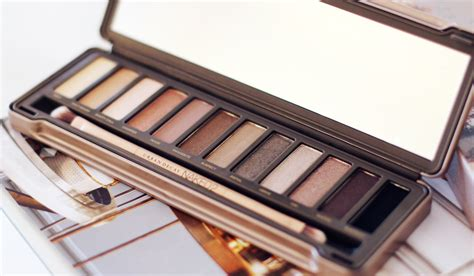 2 Decay Palette Eyeshadow review decay 2 basics 2 palette like