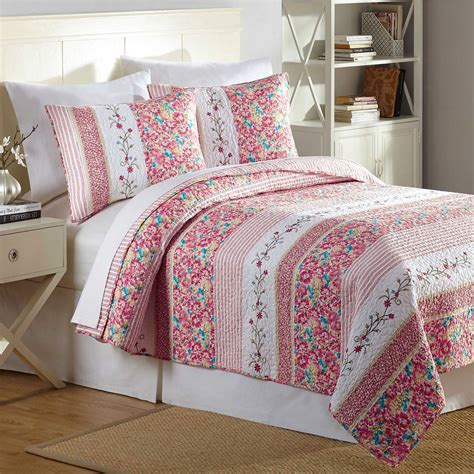 bright floral bedding bright blooms floral quilt bedding by maryjanesfarm