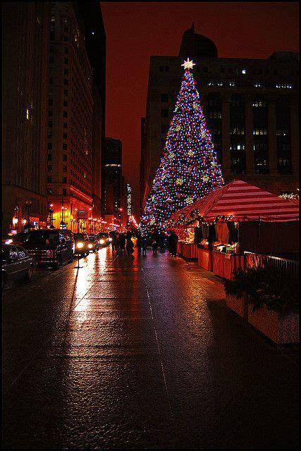 daley plaza christmas tree chicago wonderful places