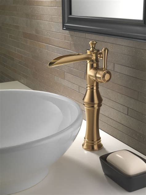 Delta Waterfall Tub Faucet by Faucet 798lf Pn In Brilliance Polished Nickel By Delta