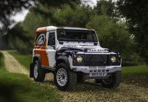 land rover defender challenge racer debuts at autosport