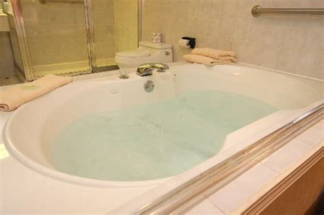 hotels with whirlpool bathtubs whirlpool bath picture of best western the inn at ramsey