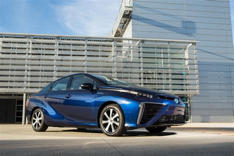 Toyota Mirai Price Toyota Mirai Lease Price Set At 499 A Month Motor Trend Wot