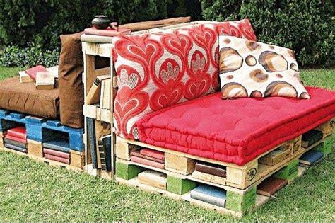 divanetti da esterno arredare giardino con i bancali foto design mag