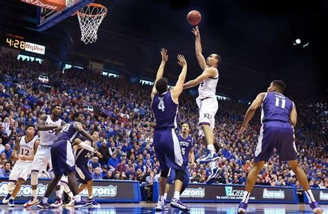 kansas city star sports section ku s perry ellis scored a game high 23 points on 9 10
