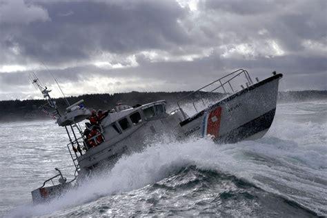 on boat cost coast guard motor lifeboat 47 foot motor life boat