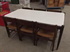 eethoek stoelen 6 vintage eethoek tafel en 6 stoelen met rieten zitting