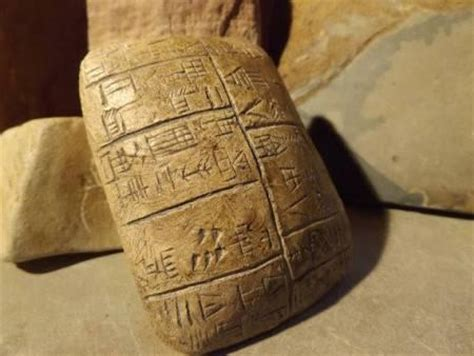 Ancient Egyptians Slept On Pillows Made Of by Lay Your Upon Pillow Tellwut