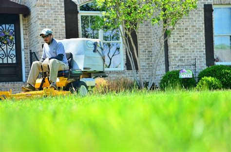 landscaping companies hiring hiring a landscaper line