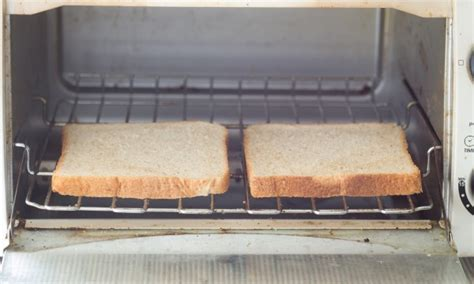 Easy Clean Toaster Oven 8 easy tips for cleaning toasters toaster ovens smart tips