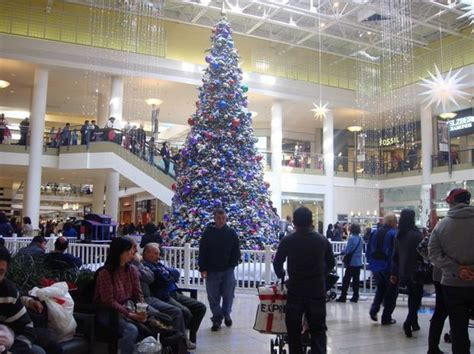 tree lighting ceremony santa parade at staten island mall