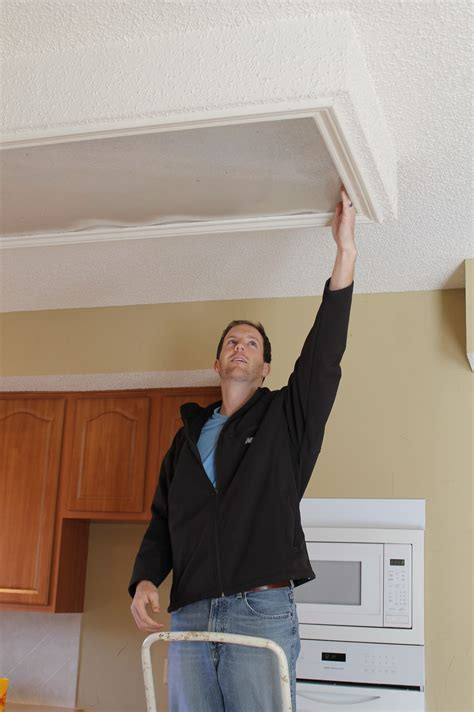 how to remove fluorescent light fixture fluorescent lights remove fluorescent light cover remove
